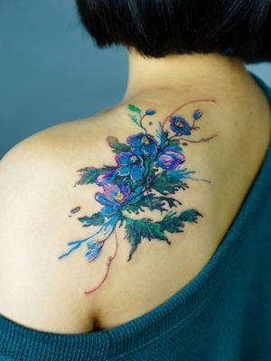 Floral tattoo by Denon Tattoo #Denon #DenonTattoo #NoNameTattoo #Seoul #Koreantattooartist #femaletattooartist #illustrative #flower #shoulder