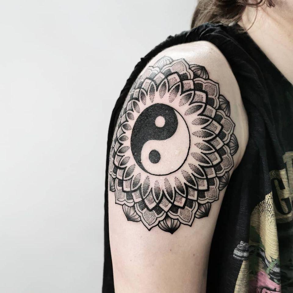 Yin yang tattoo mandala by Ash Boss #AshBoss #YinYangtattoos #YinYang #Chinese #symbol