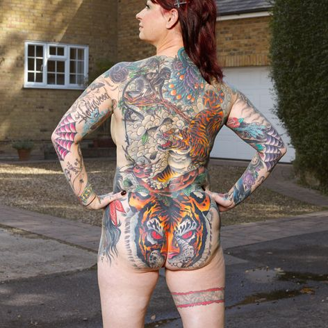 Izzy Nash photographed by Alan Powdrill for COVERED #AlanPowdrill #tattooculture #tattoocommunity #tattoophotography