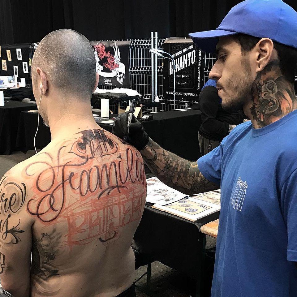 Free Hand rolando! #HenriSchumacker #tatuadoresdobrasil #lettering #caligrafia