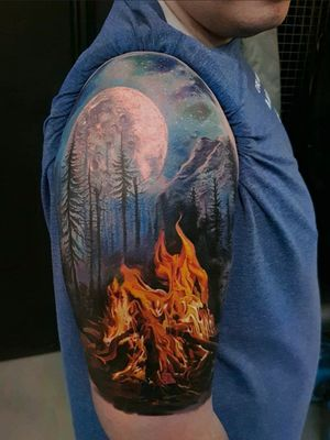 #LedCoult #realismo #realism #tatuadoresdobrasil #brasil #brazil #brazilianartist #lua #moon #floresta #forest #fogo #fire #fogueira #bonfire #montanhas #mountains