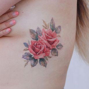 Watercolor tattoo by Donghwa of Studio by Sol #Donghwa #StudiobySol #Seoul #Koreanartist #Koreantattooartist #watercolor #fineline #detailed #color #nature #floral #rose