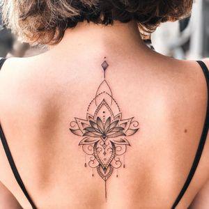 #BrunaGuzzo #tatuadoras #tatuadorasbrasileiras #fineline #ornamental