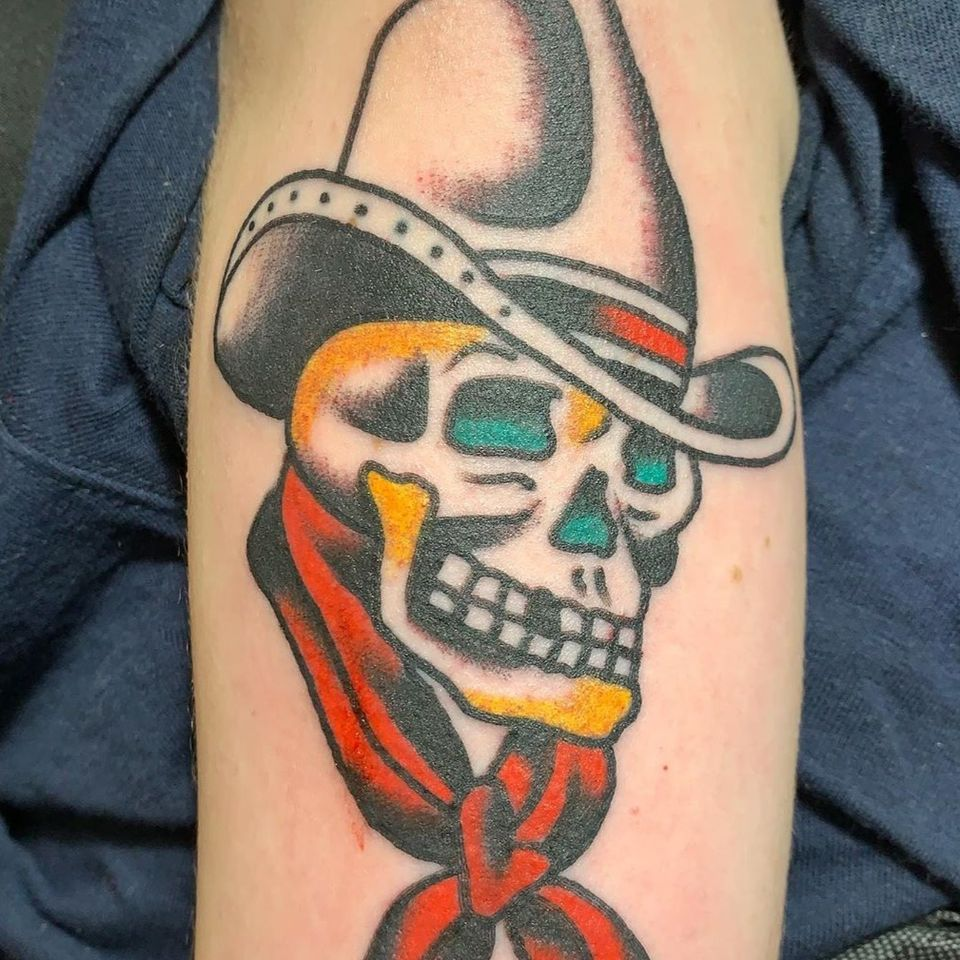 Cowboy skull done by Bert Krak on Christian. #christianponisi #bertkrak #americantraditionaltattoo #cowboyskull