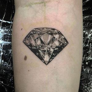 Diamond tattoo by Lil Jeon #LilJeon #blackandgrey #realism #diamond #jewel
