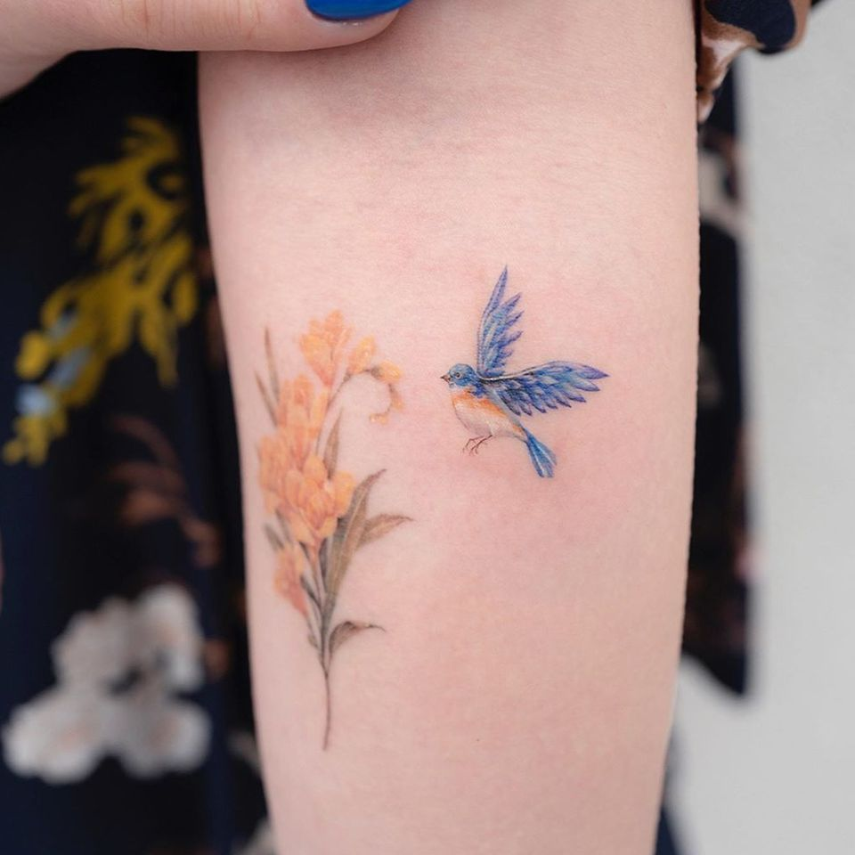 Watercolor tattoo by Donghwa of Studio by Sol #Donghwa #StudiobySol #Seoul #Koreanartist #Koreantattooartist #watercolor #fineline #detailed #color #nature #floral #bird #bouquet