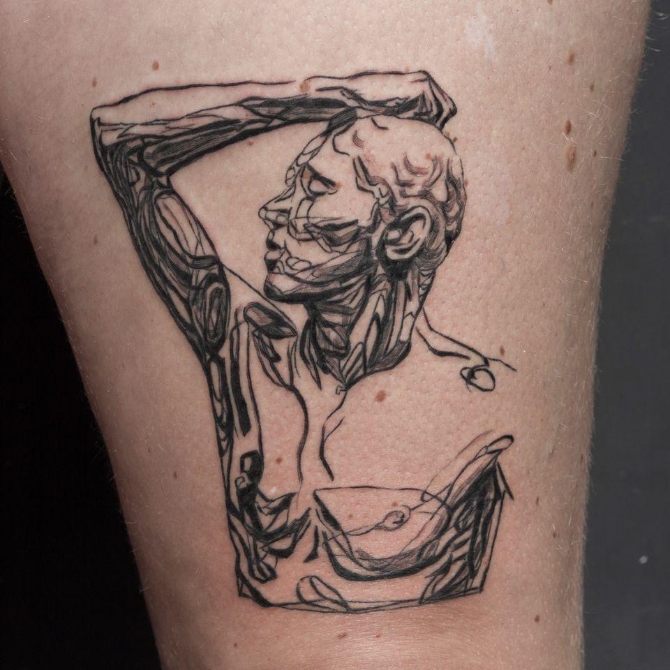 Illustrative tattoo by Cee Burgundy #CeeBurgundy #queertattooer #qttr #vegantattoo #vegantattooer #illustrative #abstract #abstractexpressionism
