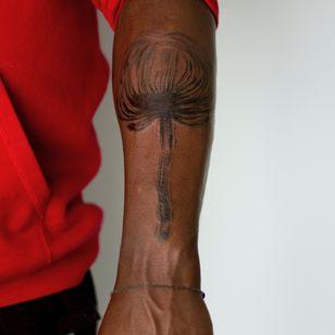 Illustrative tattoo by Cee Burgundy #CeeBurgundy #queertattooer #qttr #vegantattoo #vegantattooer #illustrative #abstract #abstractexpressionism #nature #floral #plant