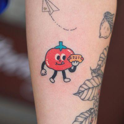 Hand poke tattoo by Han aka Hey Hey Diary #Han #HeyHeyDiary #handpoke #stickandpoke #nonelectric #kawaii #cute #tiny #small #funny #seoul #koreantattooist #tomato #hotdog #color #food
