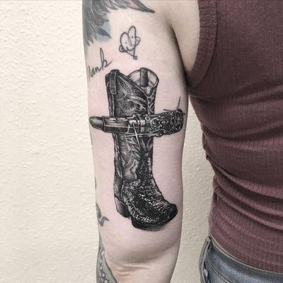 Cowgirl cross tattoo by Rick Schenk #RickSchenk #blackandgrey #illustrative #realism #chicano #leather #lipstick #cowboyboot