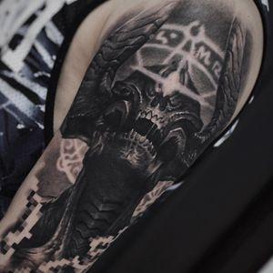 Tattoo by Artem Marchenko #ArtemMarchenko #realism #blackandgrey #alien #surreal #darkart