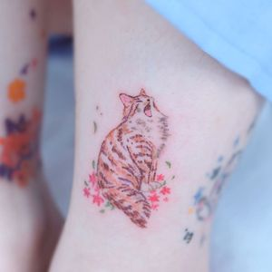 Crayon tattoo by haenal_tattoo #haenaltattoo #haenal #crayontattoo #crayon #coloredpencil #color #sketchy #art #crafts #cat #flowers #cute