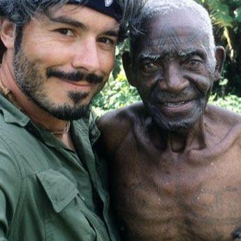 Lars Krutak with Pius, a traditional healer and one of the last Makonde tattooists of Mozambique (credit: Lars Krutak) #medicicaltattooing #culturaltattoos #healingpoweroftattoos #dotworktattoos #curativetattooing