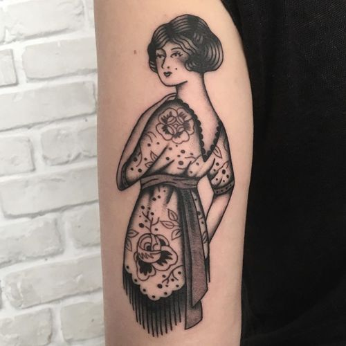 Traditional tattoo by Helena Front #HelenaFront #traditional #oldschool #vintage #lady #floral #pattern #blackandgrey #rose