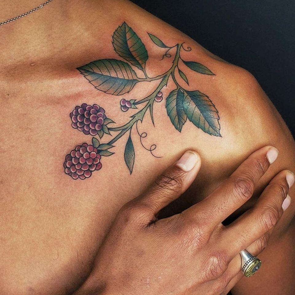 Raspberry tattoo by Gentle Jaz #GentleJaz #raspberry #fruit #colortattoo #nature #plant