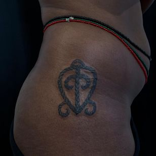 Adinkra tattoo by Doreen Garner aka flesh and fluid #DoreenGarner #fleshandfluid #adinkra #symbol #africa #african