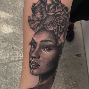 African woman tattoo by edzllorente #edzllorente #africanwoman #africa #portrait #realism #blackandgrey
