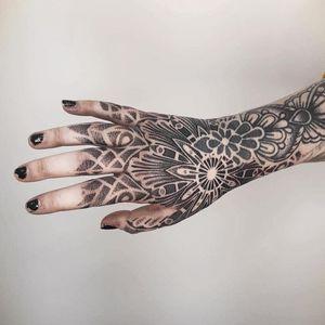 Dotwork tattoo by Sebastian Kandinsky #SebastianKandinsky #Skandinsky #dotwork #dots