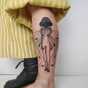 Jellyfish tattoo by bonestattooartist #bonestattooartist #jellyfish #ocean #oceanlife #animal