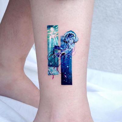 Jellyfish tattoo by tattooist sigak #tattooistsigak #jellyfish #ocean #oceanlife #animal