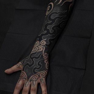 White Ink over Blackwork Tattoo by aquarianttt #aquarianttt #whiteinkoverblackwork #whiteinkonblacktattoo #whiteonblack #whiteink #blackwork #blackout