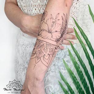 Tattoo by Marta Madrigal #MartaMadrigal #fineline #dotwork #illustrative #floral #mandala