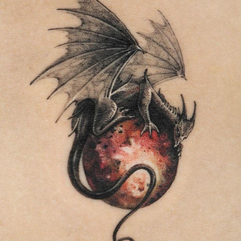 Painterly tattoo by Ati #Ati #tattooistati #koreanart #koreantattoo #koreantattooist #painterly #fineart #darkart #dragon
