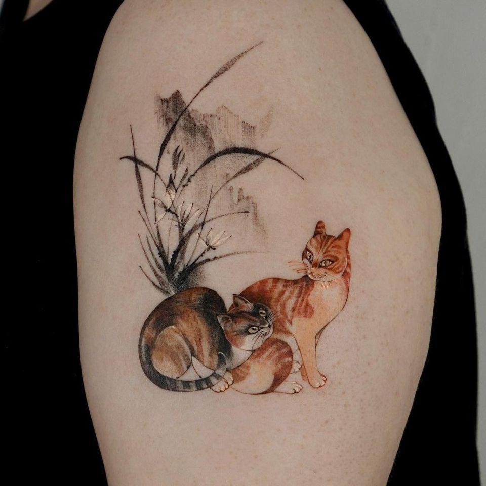 Painterly tattoo by Ati #Ati #tattooistati #koreanart #koreantattoo #koreantattooist #painterly #fineart #cat #flower #plant #nature
