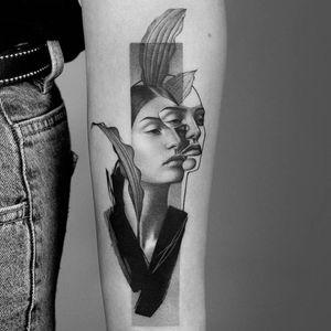 Portrait tattoo by Amanda Piejak #AmandaPiejak #realism #illustrative #ladyhead #portrait #plant #leaves