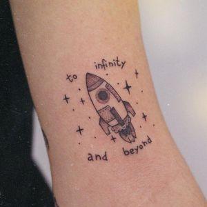 Simple Disney tattoo by Pati Costa Ink #PatiCostaInk #simpledisneytattoo #simpledisney #simple #small #toystory #buzzlightyear #stars #spaceship #disneytattoo #disney #waltdisney