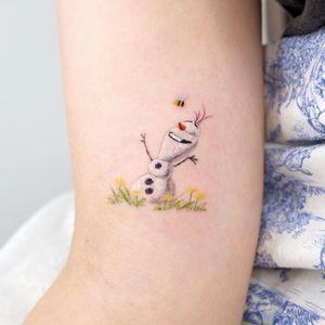 Frozen tattoo by Dani Green tattoos #danigreen #danigreentattoos #frozen #olaf #snowman #disneytattoo #disney #waltdisney