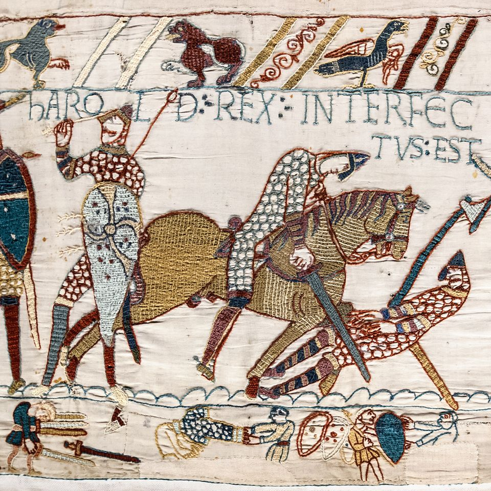 King Harold II depicted with an arrow through his eye at the Battle of Hastings on the Bayeux Tapestry #tattooedroyals #historyoftattoos #historictattoos #tattooedking