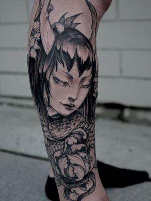 Illustrative tattoo by Gale Shapira aka Bloodwraith #GaleShapira #Bloodwraith #Illustrative #darkart #horror #blackwork #portrait #demon #yokai #peony #nureonna