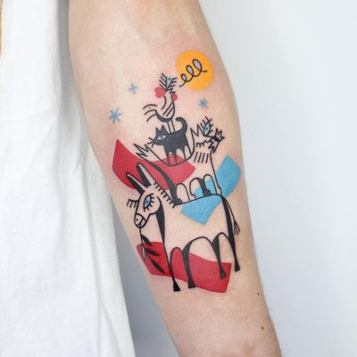 Illustrative tattoo by Yannick NorY aka YNY aka Les Niaiseries #YannickNorY #LesNiaiseries #illustrative #linework #abstract #expressive #symbolism #townmusiciansofbremen #fairytale #brothersgrimm #donkey #cat #dog #rooster #animals