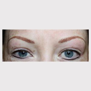 Permanent makeup for alopecia sufferer – courtesy of the Dermatography Clinic #cosmetictattooing #paramedicaltattoos #permanentmakeup #eyebrowtattoo
