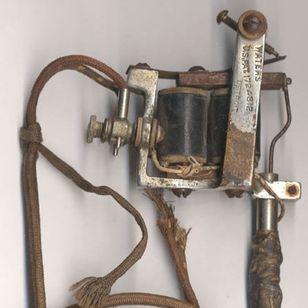 Antique Percy Waters tattoo machine #percywaters #tattootools #tattoosupplies #tattoohistory #tattooculture