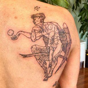 Tattoo by trichocarpa #trichocarpa #queertattoo #qttr #pridetattoo #lgbtqiatattoo #lgbtqtattoo #illustrative #wings #feathers #surreal