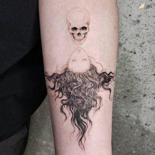 Illustrative tattoo by Kristianne aka krylve #kristianne #krylev #illustrative #takatoyamamoto #eroguro #skull #portrait #anime #manga