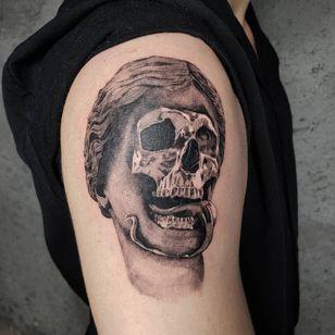 Illustrative tattoo by Kristianne aka krylve #kristianne #krylev #illustrative #venus #sculpture #fineart #hedixandt