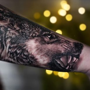 Tattoo by Nina Richards #NinaRichards #realism #wolf #animal #blackandgrey