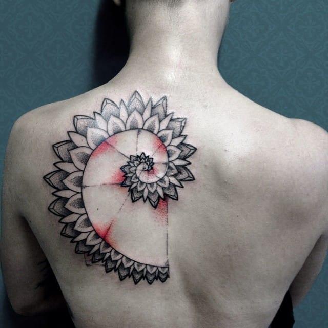 Lovely tattoo by Roberto Robs Bonfadini.