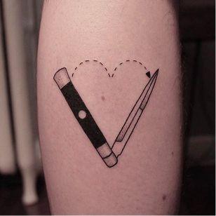 Blade lover. By Welfare Dentist #welfaredentist #stickandpoke #blackwork #toronto #microtattoo #switchblade #love #heart