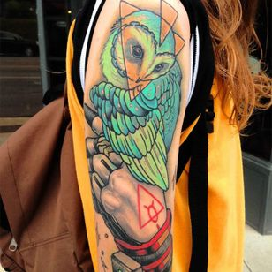 Colorful mysterious piece by Mike Moses #color #mikemoses #owl #owltattoo