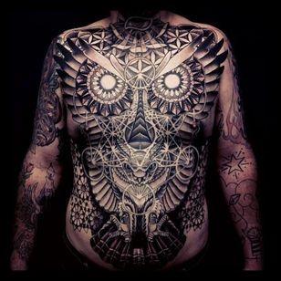 Killer torso tattoo by Matthew Hitt! #torso #mattherhitt #blackwork