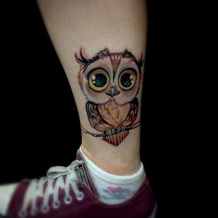 And a cute one by Alexandre Prim... #owl #color #alexandreprim