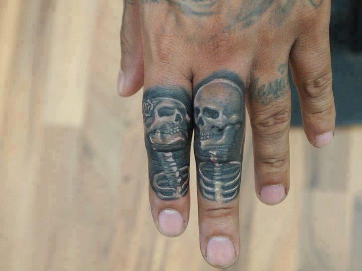 """""""Til Death do us part"""" finger tattoo done byFernie Andrade. #finger #fingertattoos #skull"""