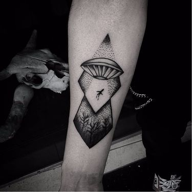 11 Tatuagens De Discos Voadores Pra Abduzir Sua Atenção