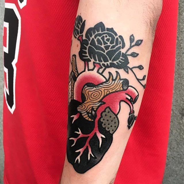 Anatomical heart tattoo by Sany Kim. #SanyKim #kimsany #illustrative #nature #anatomicalheart