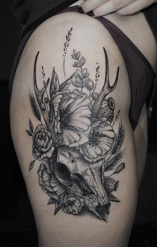 Deer skull with flowers by Kati Berinkey #deer #stag #stagtattoo #deertattoo #skull #nature