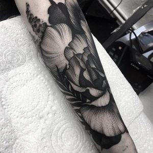 Exquisite black floral work by Kelly Violet (IG—kellyviolence). #blacktattoo #blackwork #flowers #kellyviolet